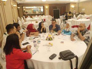Prof Dr dr Zainal paling kanan proaktif menyumbang pikiran mengenai program kerja Binabud di komisi organisasi