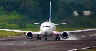 Tiket Pesawat Mulai Turun, Penumpang Senang