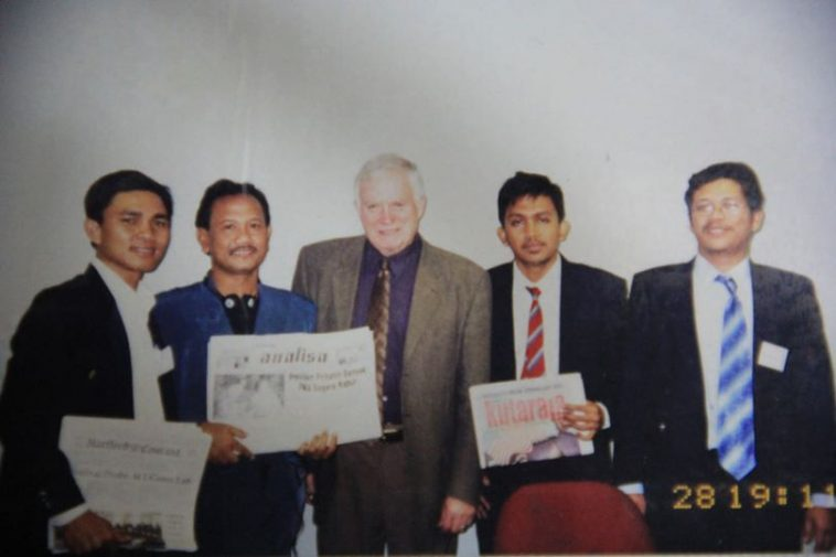 Hartford Courant--USA--2002--Indo Journalist Programme dengan tema Journalism in Ethics and Investigative Reporting